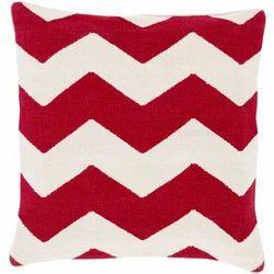 红白印花人字形枕头