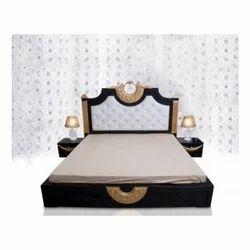 Teak Wood Modern Designer Wooden Bed, Size: 75 X 70 Inch