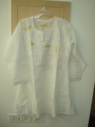 White Party Hand Embroidery Cotton Kurta, Size: Large
