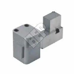 Interior Core Pulling Component