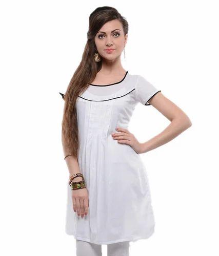 764dce7d3a5 White Solid Cotton Kurti