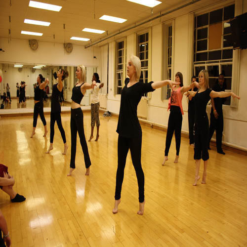 Dance Schools, Dance Class Training Services in Jaipur, डांस