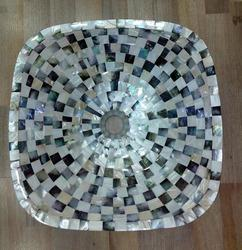 Black /White Mother of Pearl Basin