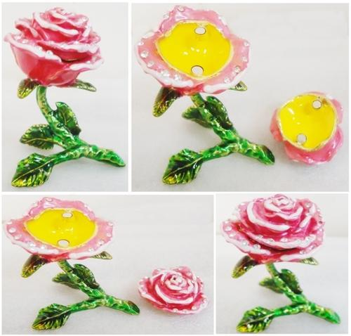 Beautiful Pink Rose Flower with Magnetic Lid Jewellery, Ring - Gift