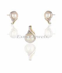 Designer Pearl Pendant Set