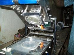 Manual Cup Sealing