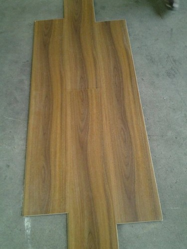 For Indoor And Outdoor Green Laminate Wooden Flooring For Projects