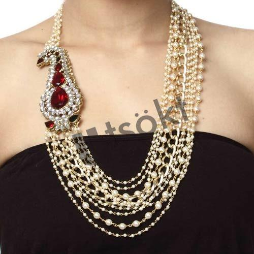 aacb519ca95 Fusion Jewelry - Blending Traditional Design with Modern Aesthetics ...