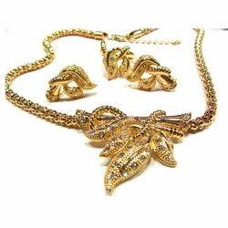Metal Necklace Set