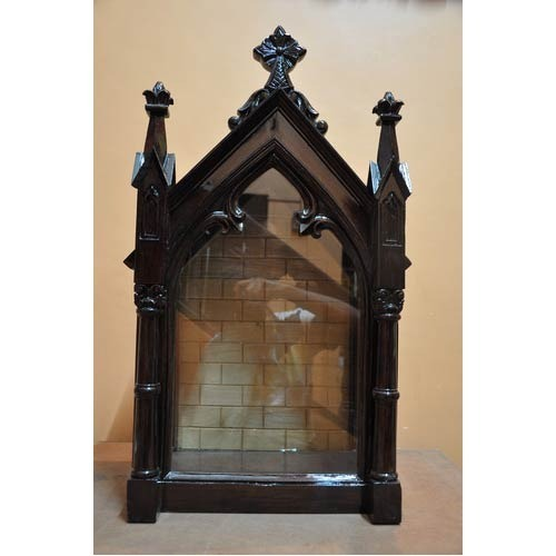 Charmant Wooden And Fiber House Altar