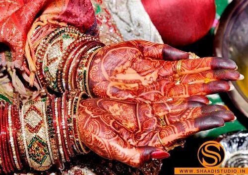 Mehndi Ceremony Description : Mehndi ceremony photography job work in karol bagh