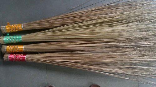 Coconut Broom Manufacturer From Kottayam