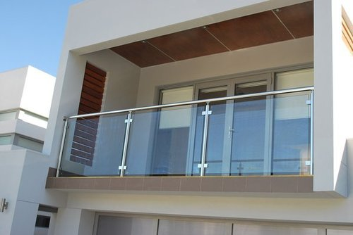 Glass Balustrade Systems कांच का बलस्ट्र्रेड ग्लास