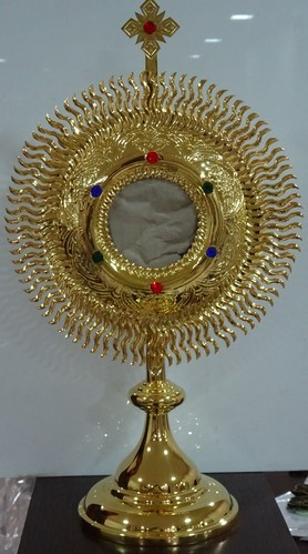 gold plated monstrance at rs 2000 start from dharmik karigari