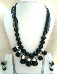 Ladies Beads And Crystal Necklace Set