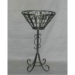Basket with Stand