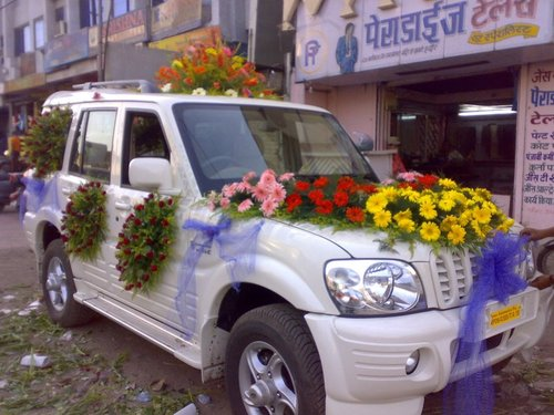 Indian wedding car flower decorations for Automotive decoration