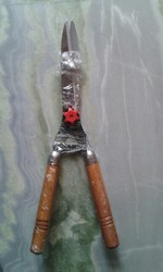 Wooden Handle Shear