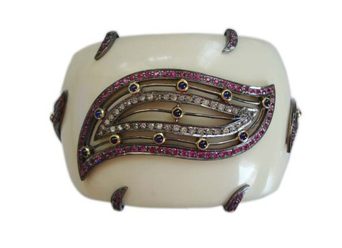 The Mask Jewellery Party Bakelite Cuff