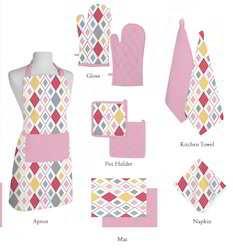 Pinkish Geometrical Print Kitchen Linen Set