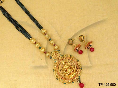Designer laxmi temple pendant set mandir ke jevar temple jewelry designer laxmi temple pendant set mozeypictures Gallery