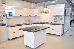 L Shaped Classic Cut Handle Pu Finish Modular Kitchen