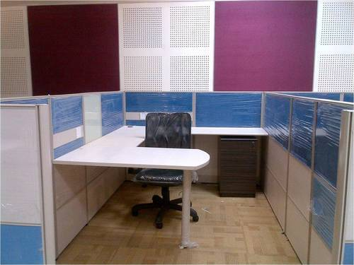 Manufacturer of Office Furniture Glazed Partition by Dynamic