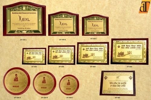 Imported Wooden Gold Foil Plaques - Delhi Trophy, New Delhi