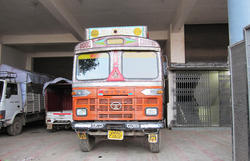 Truck Transporter Loading Service In Lucknow