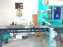 Automaic Flow Wrap Packing Machine