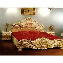 Bedroom Furniture Light Hand Carved King Size Bed Manufacturer