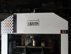 Harison Four Column Type Semi-Automatic Workshop Machine, Capacity: 150 Ton