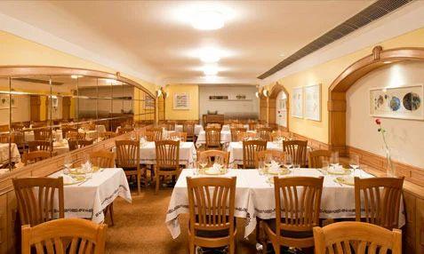 Artusi Italian Restaurant Interior Designers In New Delhi Chizzle