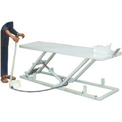 Hydraulic Ramp Hand Operated