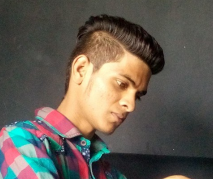Dark Unisex Salon Tattoo Service Provider Of Man Hair Cutting