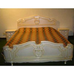 Light Hand Carved King Size Bed