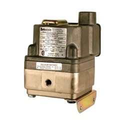 Diaphragm Differential Switch