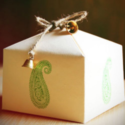 Paper Gift Box - Manufacturers & Suppliers of Kagaz Ka Uphar Wala ...
