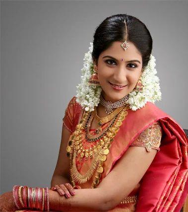 Kerala Bride Simple Hairstyle: Kerala Muslim Bridal Makeup