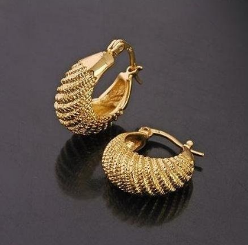 Gold Jewellery & Gold Earring Retail Shop from Hyderabad