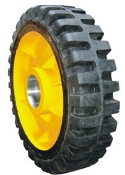 Solid Tyre with Direct Mounting Hub
