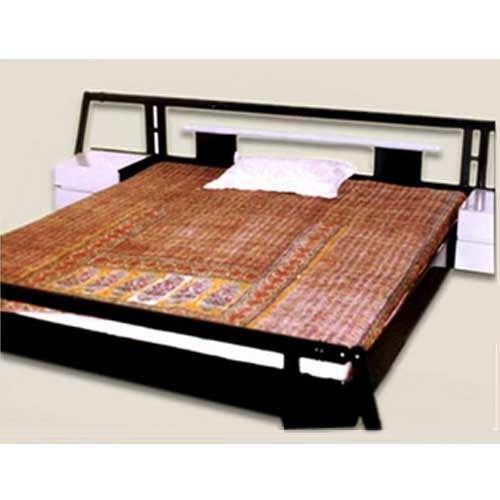 Designer Bed. Designer Bed   Brass Wood Designers   Manufacturer in Paschim