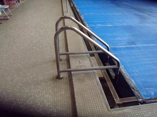 Swimming pool ladders - Swimming pool ladders for skimmers type ...