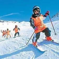 Skiing in Narkanda