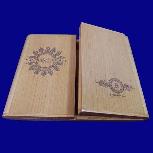 Boxed Photo Albums: ���ल्बम ���ॉक्सेस - Wood