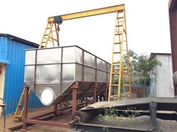 Stainless Steel Tank with Screw Conveyor