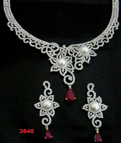 03eaab2fb5b8d9 Set Heavy Stone Necklace Set at Rs 3840 /piece | अमेरिकन ...