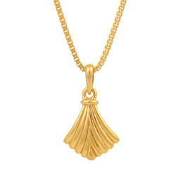 Pendants square shaped golden tanishq pendant manufacturer from pendants square shaped golden tanishq pendant manufacturer from indore mozeypictures Image collections