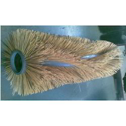 Center Cleaning Brush