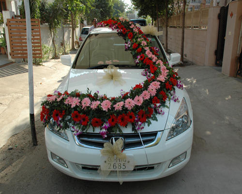 Indian wedding car flower decorations for Automobile decoration